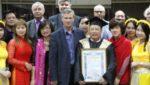 Поздравляем Фам Куанг Хынга с аттестатом!